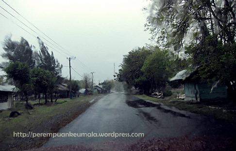 Ditemani hujan menuju Lamreh, Aceh Besar